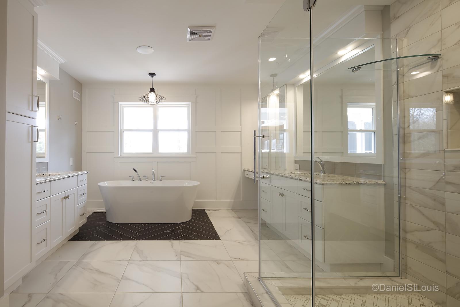 PRECISION CUSTOM HOMES - BATHROOM